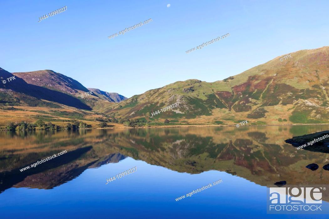 Stock Photo: England, Cumbria, Lake District, Crummockwater.