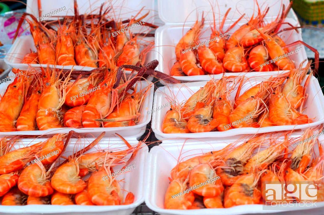 Stock Photo: Barbecue shrimp in the market.