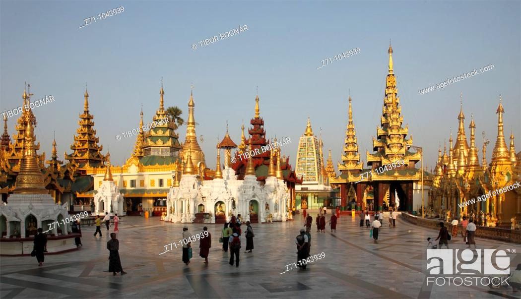 Stock Photo: Myanmar, Burma, Yangon, Rangoon, Shwedagon Pagoda,.