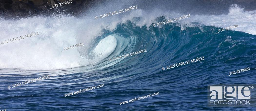 Stock Photo: Waves and ocean, La Santa, Lanzarote Island, Unesco Biosphere Reserve, Canary Islands, Spain, Europe.