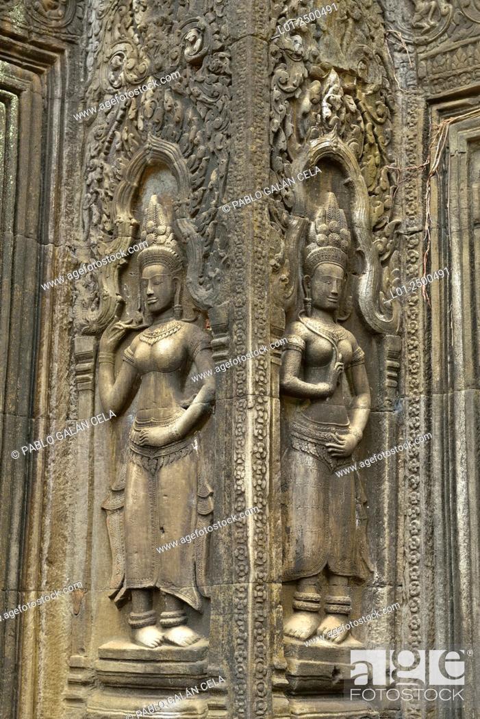 Stock Photo: Ta Prohm = Rajavihara temple. Angkor Wat complex Cambodia.