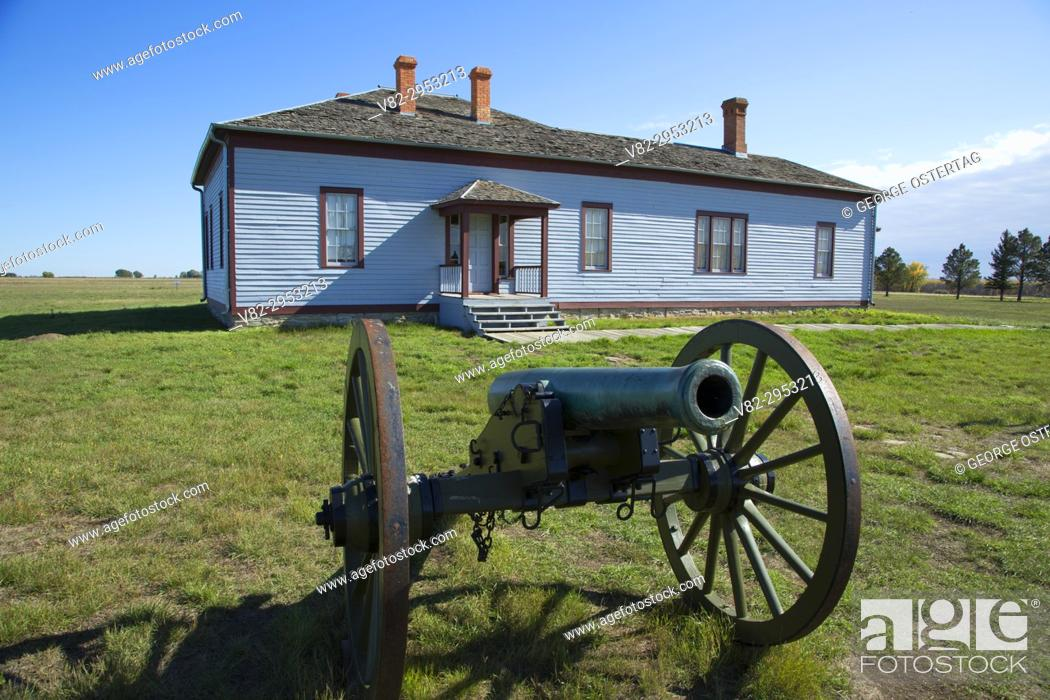 Stock Photo: Field Officer's Quarters with cannon, Fort Buford State Historic Site, North Dakota.