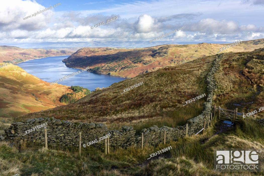 Imagen: Haweswater Reservoir from Rough Crag in the Lake District National Park, Cumbria, England.