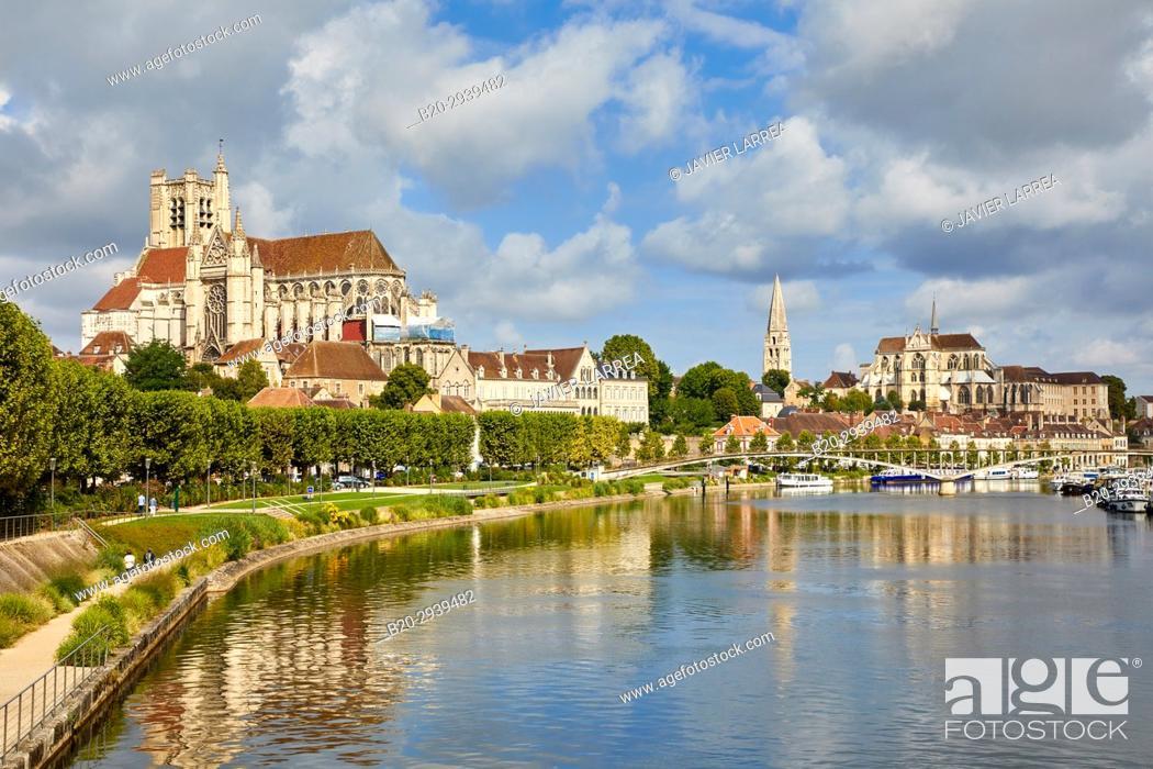 cathedrale saint etienne yonne river auxerre yonne burgundy bourgogne france europe. Black Bedroom Furniture Sets. Home Design Ideas