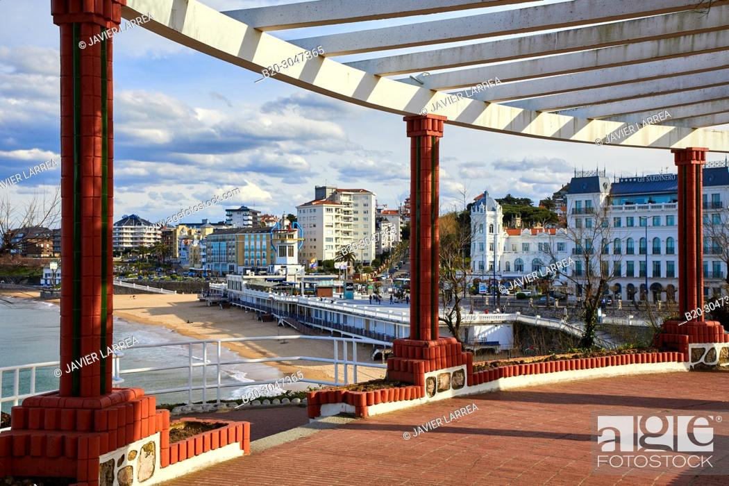 Stock Photo: Jardines de Piquio, Playa El Sardinero beach, Santander, Cantabria, Spain, Europe.