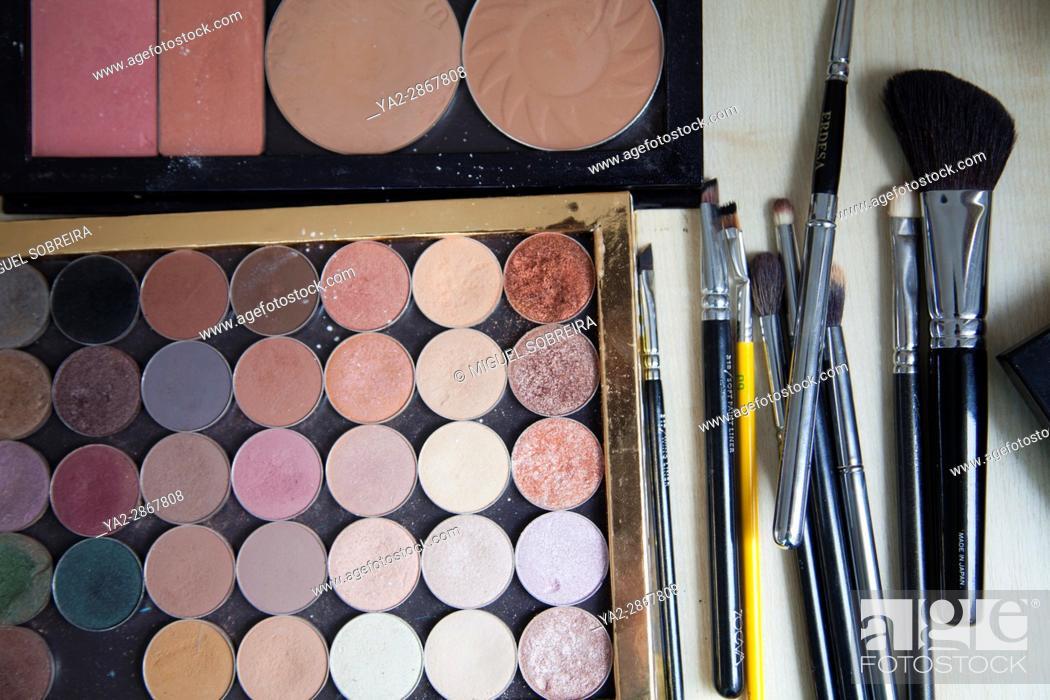 Imagen: Make Up Palette and Brushes.