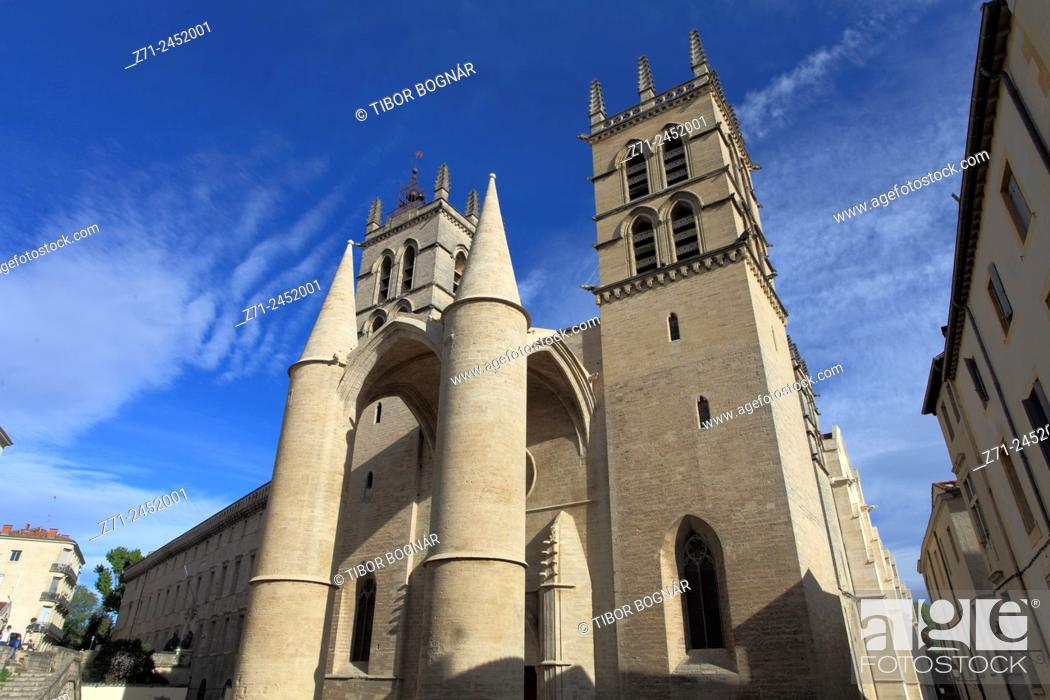 Imagen: France, Languedoc-Roussillon, Montpellier, St-Pierre Cathedral.
