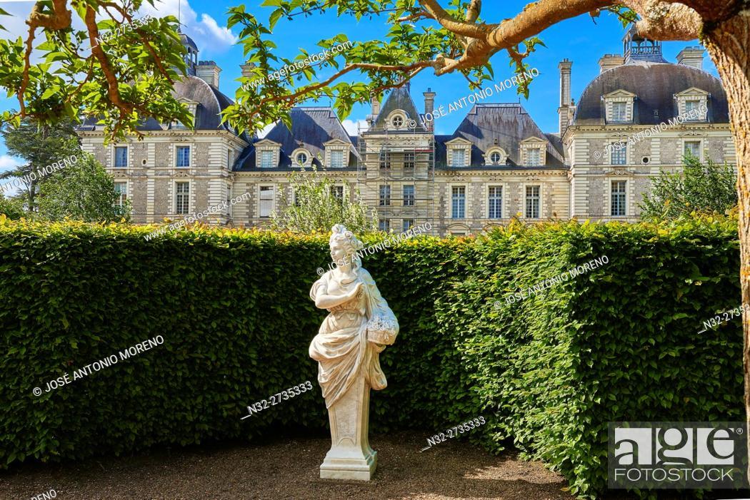 Stock Photo: Cheverny, Castle and Gardens, Chateau de Cheverny, Cheverny Castle, Loire et Cher, Pays de la Loire, Loire Valley, UNESCO World Heritage Site, France.