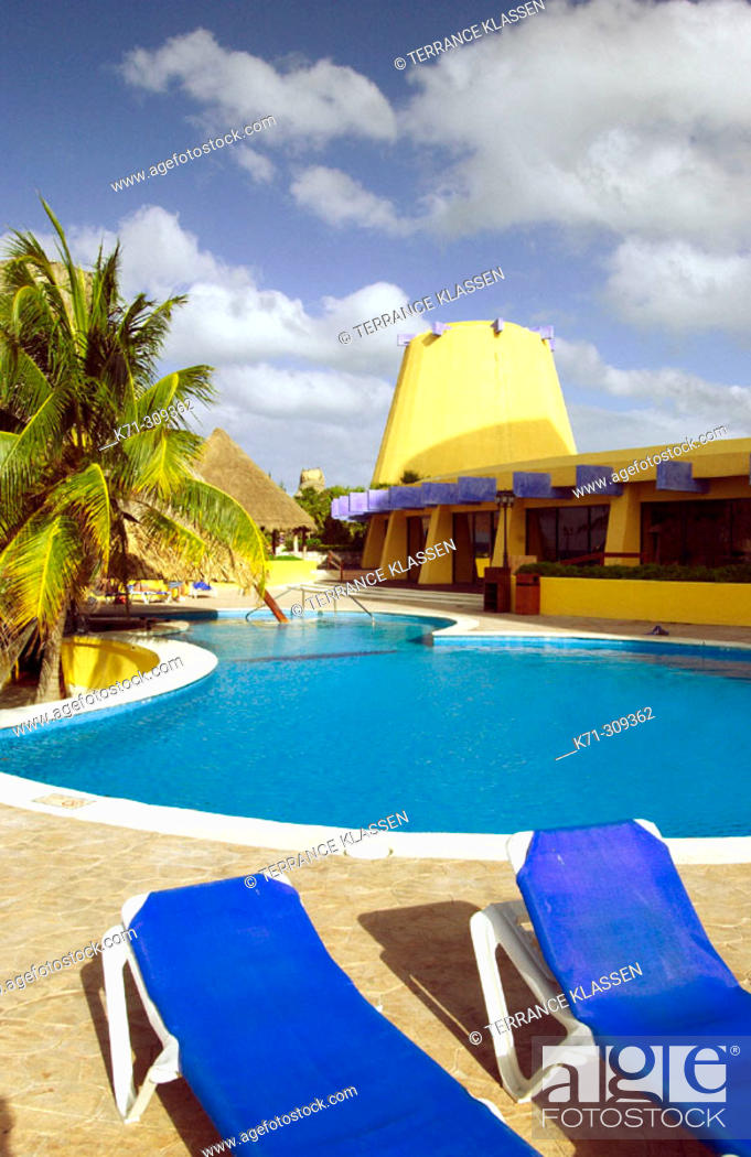 Stock Photo: Vacation resort along the west coast in Cozumel. Mexico.