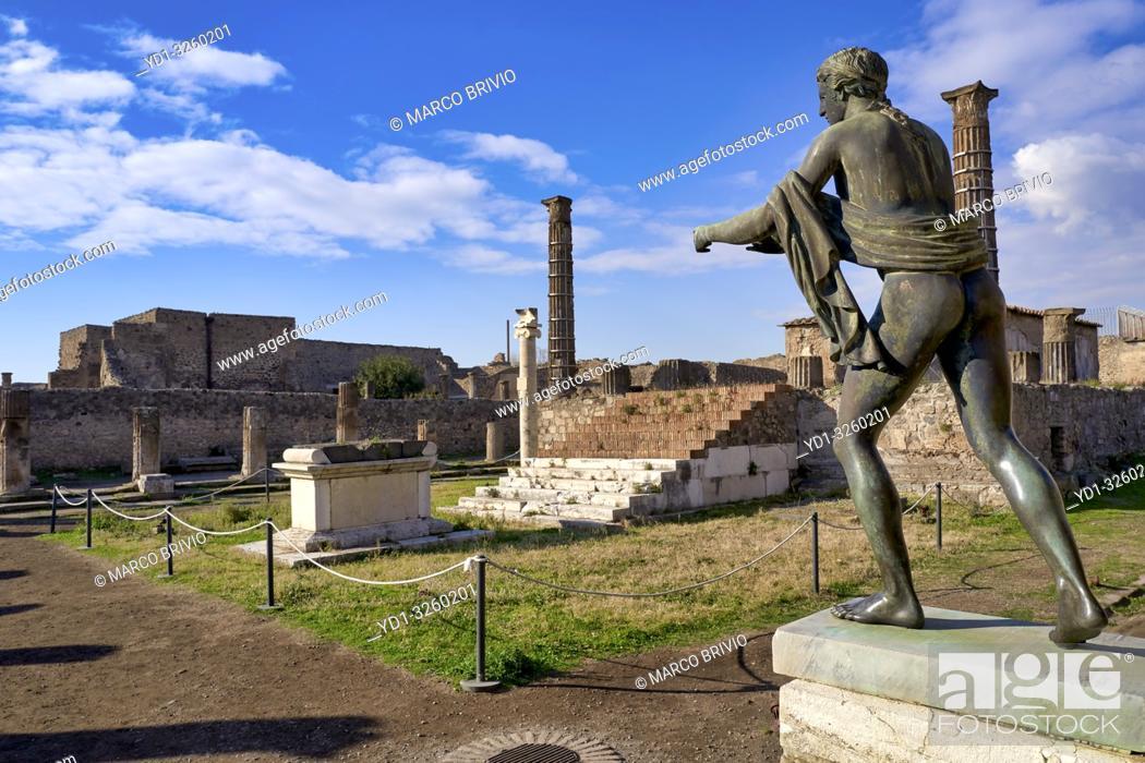 Stock Photo: Naples Campania Italy. Pompeiiwas an ancientRomancity near modernNaplesin theCampaniaregion ofItaly, in the territory of thecomuneofPompei.