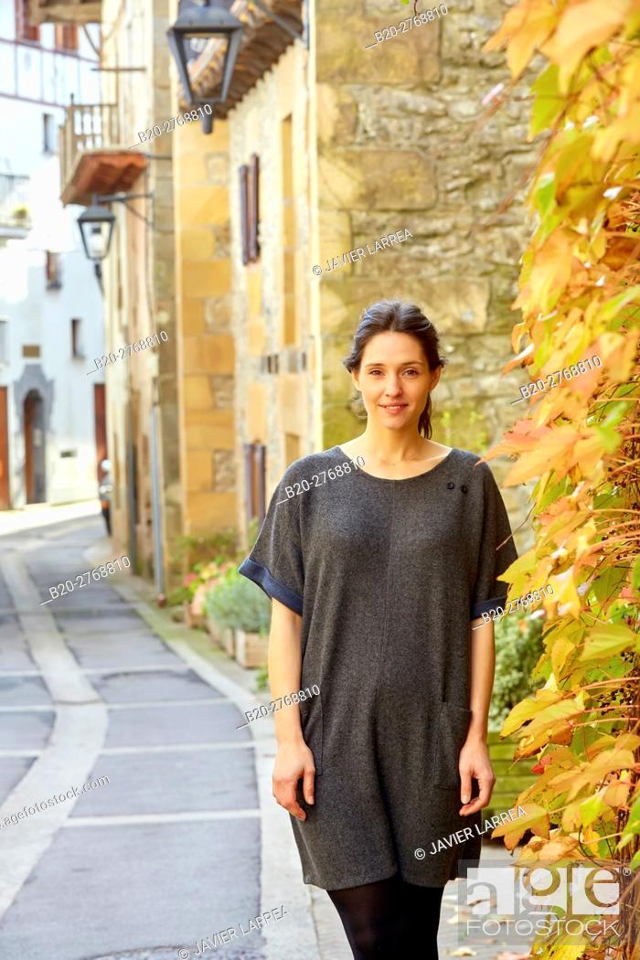 Imagen: Woman, Autumn, Aya, Gipuzkoa, Basque Country, Spain.
