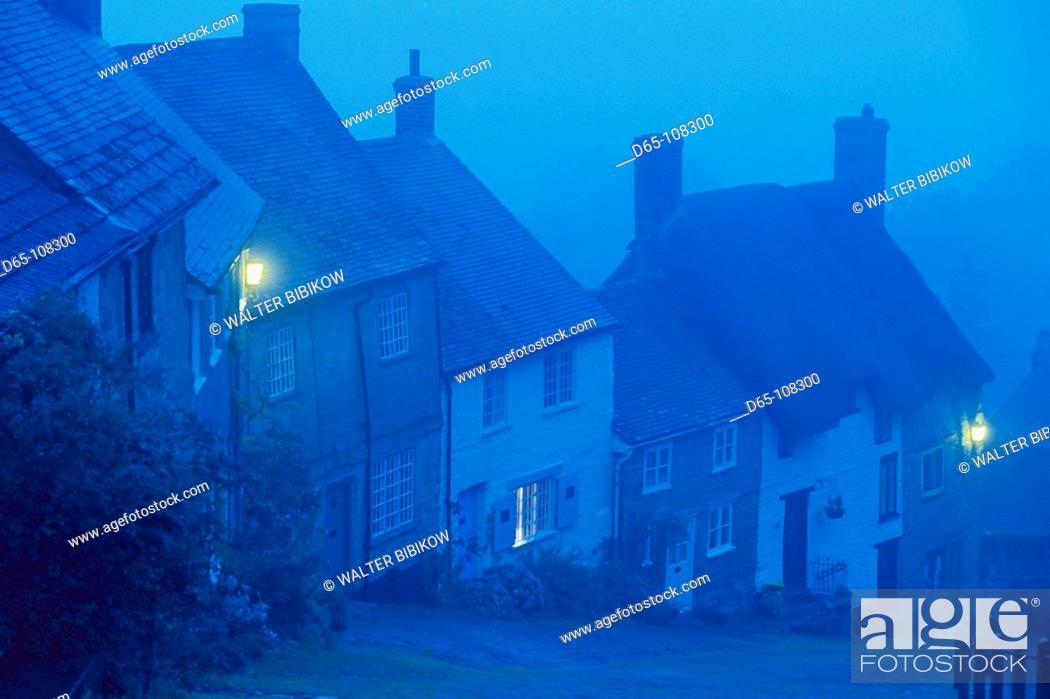 Stock Photo: Gold Hill, Shaftesbury. Dorset, England, UK.