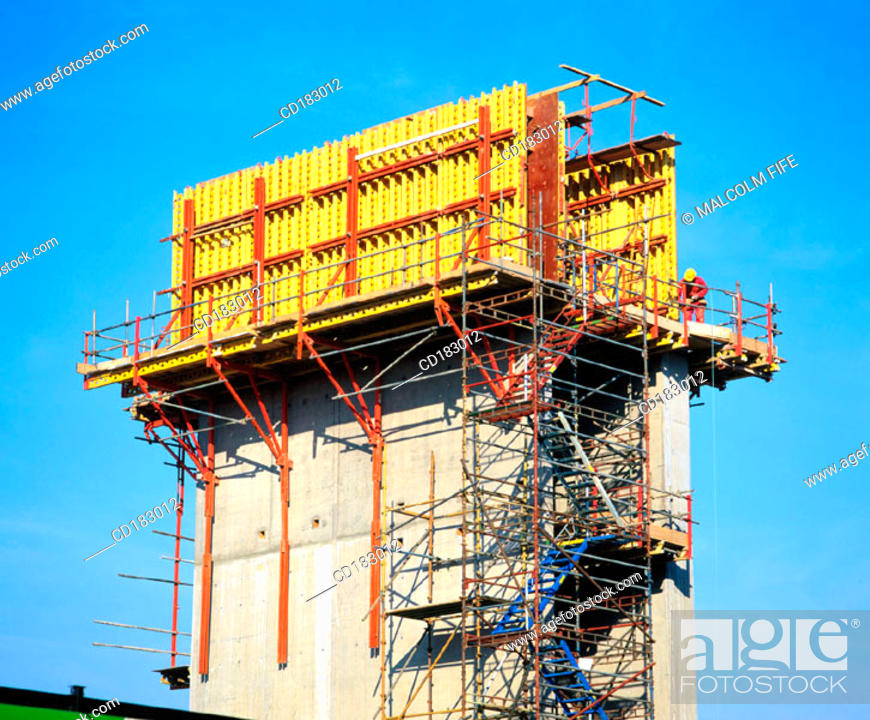 Stock Photo: Concrete superstructure of retail shopping complex.