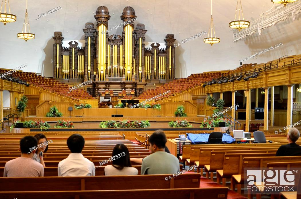Stock Photo: SALT LAKE CITY UTAH USA Tabernacle at the Mormon Temple.