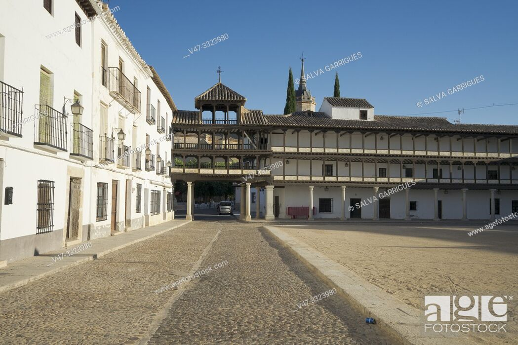Photo de stock: One of the most picturesque and recognizable squares, emblem of the popular Baroque of the 17th century. Designed to fulfill a dual function.