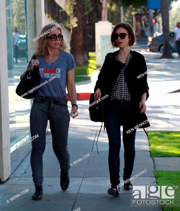 Lily Collins Out And About In Beverly Hills With Her Mom Jill Tavelman Featuring Lily Collins Stock Photo Picture And Rights Managed Image Pic Wen Wenn23653901 Agefotostock Select from premium jill tavelman of the highest quality. https www agefotostock com age en stock images rights managed wen wenn23653901