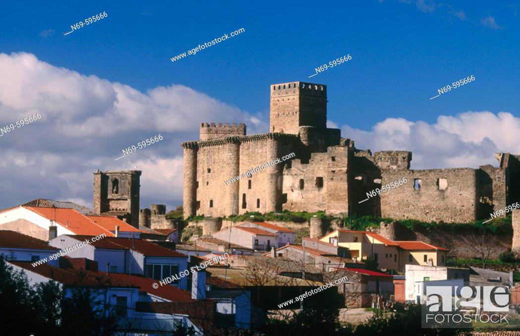 Stock Photo: Castle. Belvís de Monroy. Cáceres province. Extremadura. Spain.