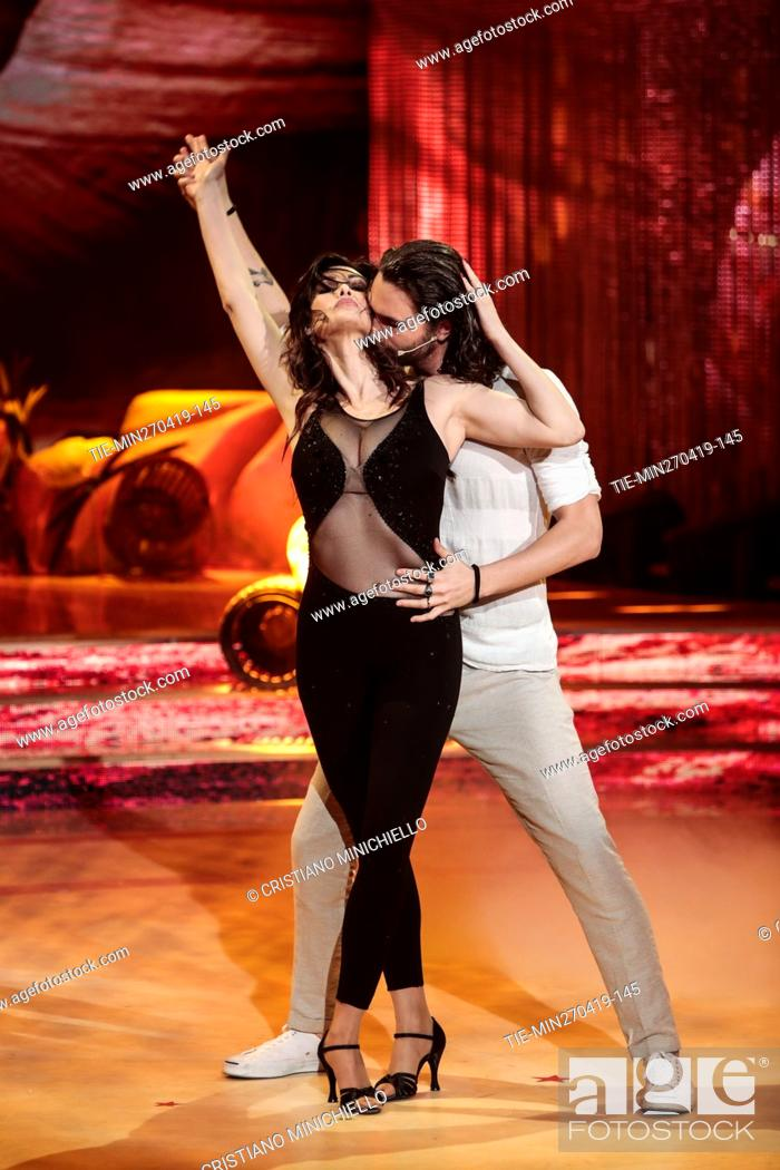 Imagen: Manuela Arcuri during the performance at the tv show Ballando con le stelle (Dancing with the stars) Rome, ITALY-27-04-2019.