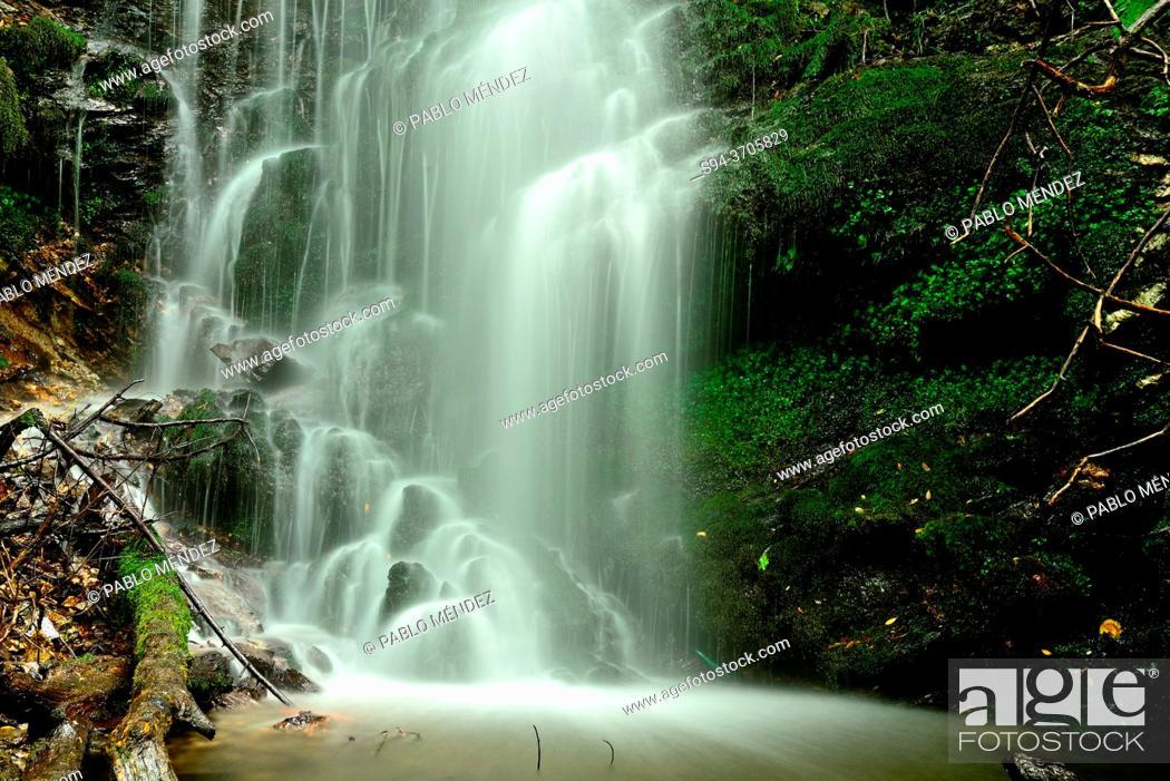 Photo de stock: Waterfall of Portomao, Fervenza, O Barco de Valdeorras, Orense, Spain.