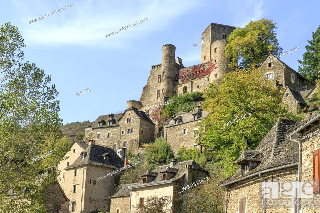 Stock Photo: France, Aveyron, Belcastel, labelled Les Plus Beaux Villages de France (The Most Beautiful Villages of France), the village with the castle.