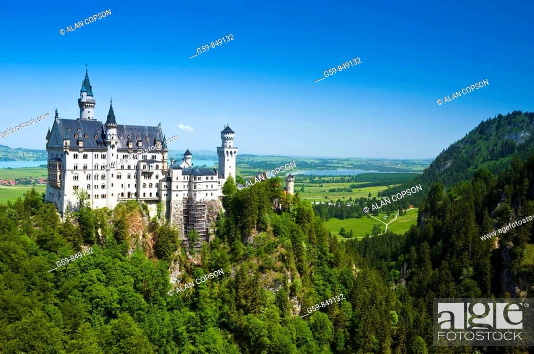Stock Photo: Neuschwanstein Castle, Bavaria, Germany.