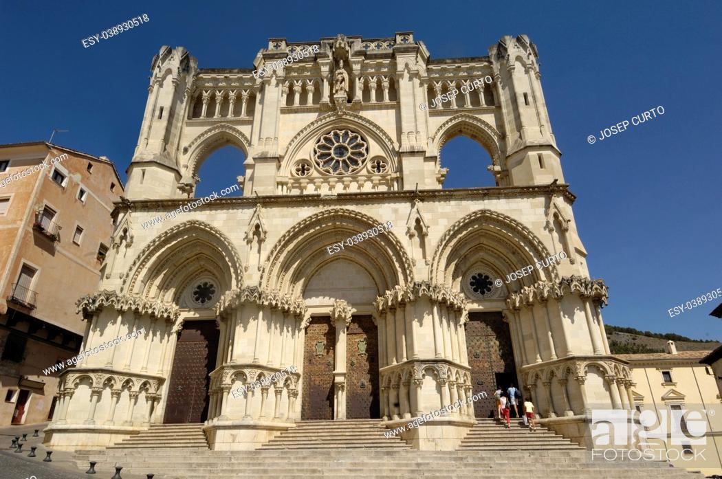 Photo de stock: Santa Maria and San Julian Cathedral of Cuenca, Castilla La Mancha, Spain.