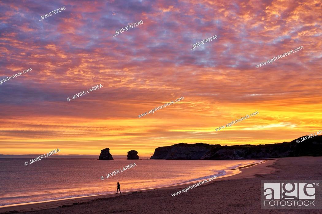 Photo de stock: Sunrise, Beach, Hendaye, Aquitaine, Pyrenees Atlantiques, France, Europe.
