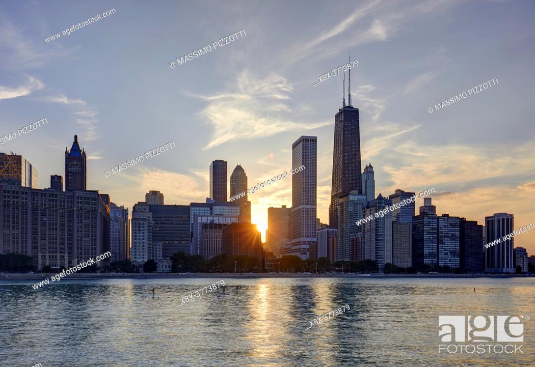 Stock Photo: Chicago Skyline at sunset, Chicago, Illinois, United States.