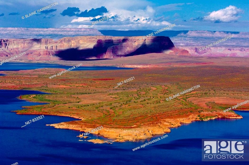 Stock Photo: Lake Powell, Glen Canyon National Recreation Area, Arizona USA.