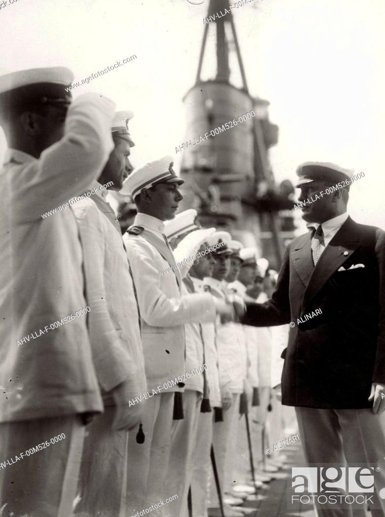 Imagen: The Duce Benito Mussolini visiting a fleet, shot 1935 ca. by Leoni, Luigi.