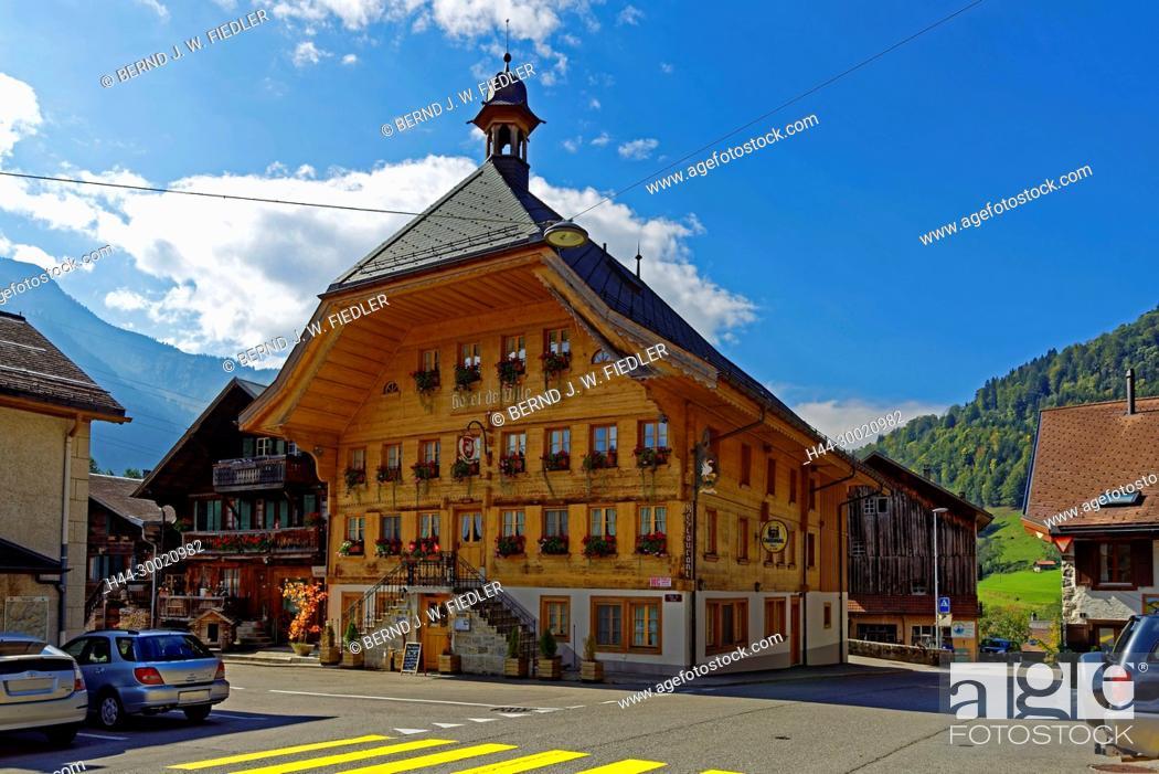 Stock Photo: Häuser, typisch, Alpenstil, Rathaus.