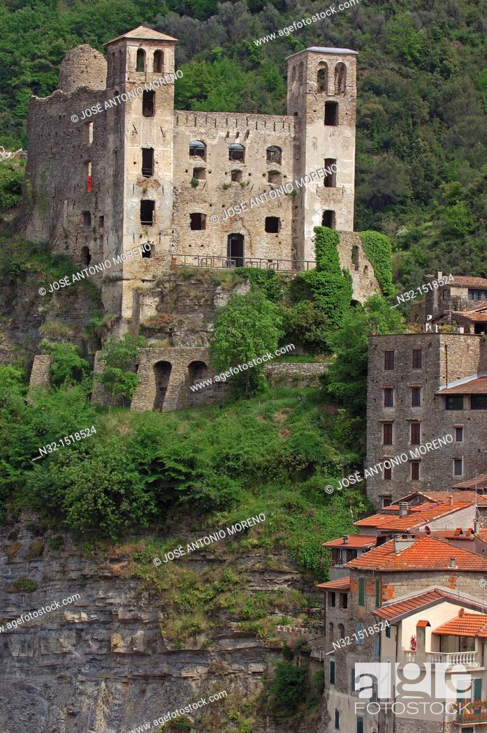 Stock Photo: Dolceacqua, Liguria, Italian Riviera, Imperia Province, Italy, Europe.
