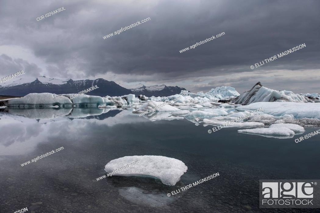 Stock Photo: Glacier Lagoon, Jokulsarlon, Vatnajokull National Park, Iceland.