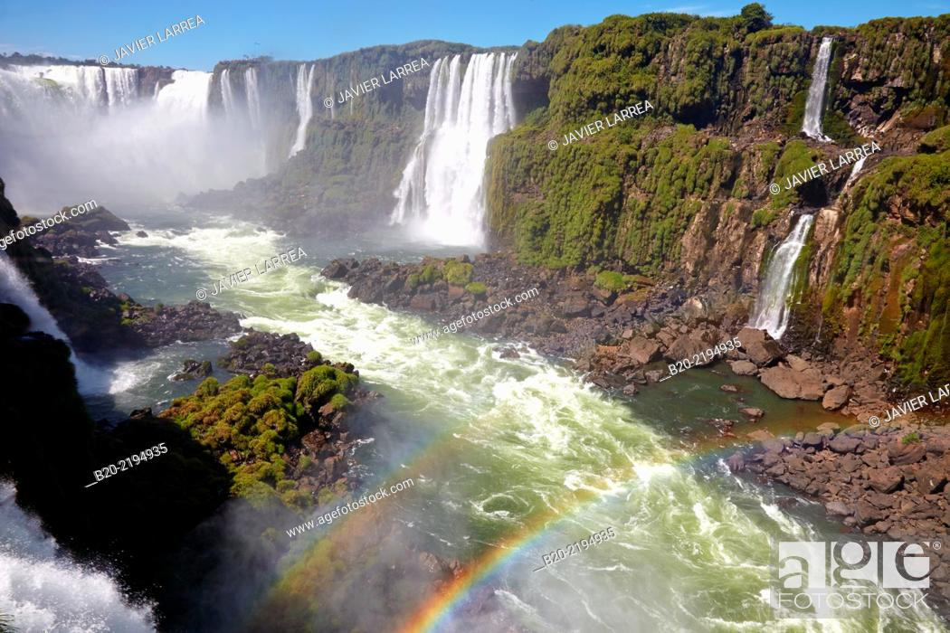 Stock Photo: Iguazú Falls. Iguazú National Park. Argentina/Brazil.