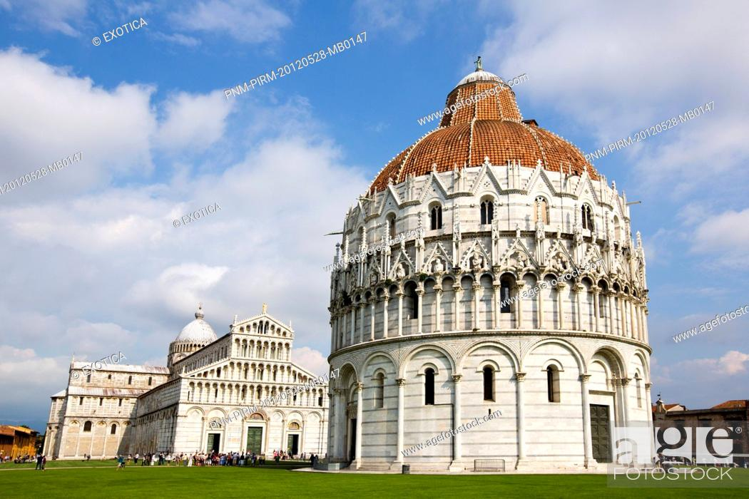 Photo de stock: Pisa Baptistery with Pisa Cathedral in the background, Piazza Dei Miracoli, Pisa, Tuscany, Italy.