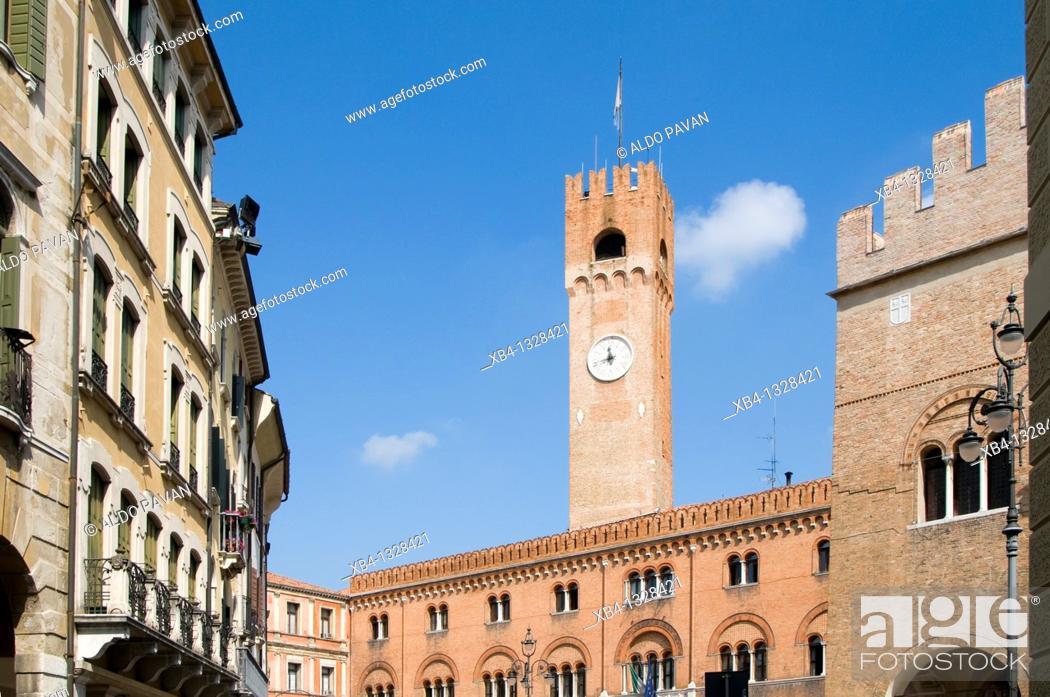 Stock Photo: Italy, Veneto, Treviso, Signori square and Palazzo dei Trecento.