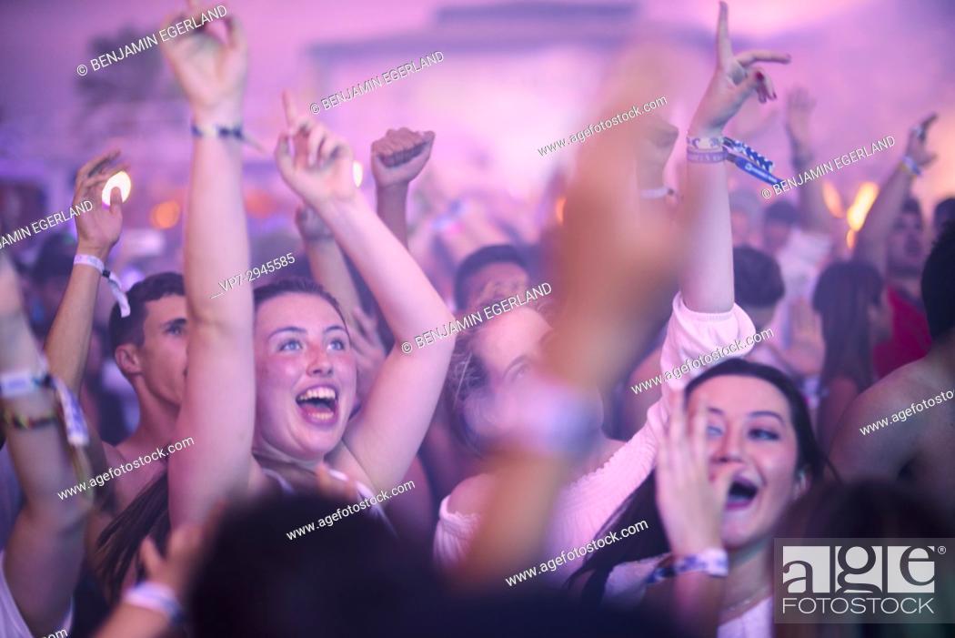 party crowd at music festival Starbeach, beach flirt dress in white ...