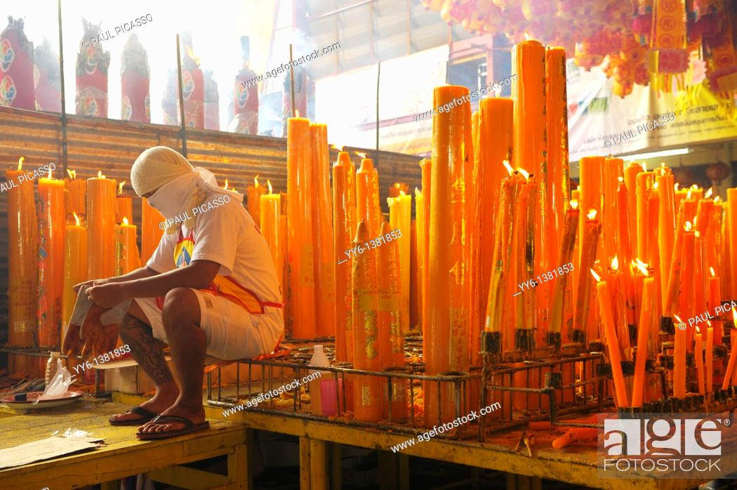 Stock Photo: candles lighted for good luck and prosperity , Vegetarian festival at San Jao Sieng Kong shrine , wat sung heng yee, Chinatown , Bangkok,.
