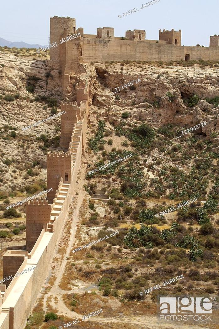 Almeria Espana Muros Exteriores Defensivos De La Alcazaba Y Muralla - Muros-exteriores