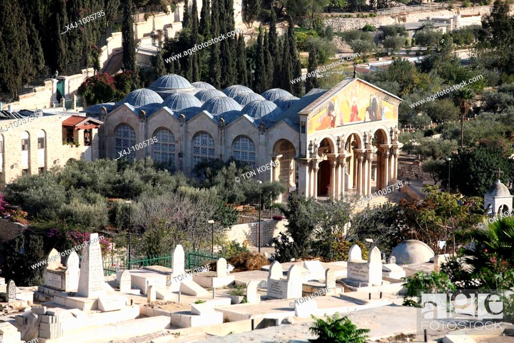 Stock Photo: view from the old city of jeruzalem viewing mount of olives.