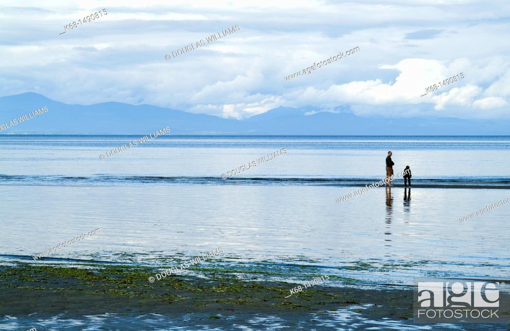 Stock Photo: beach at Rathtrevor Provincial Park, Vancouver Island, BC, Canada, near the town of Parksville.