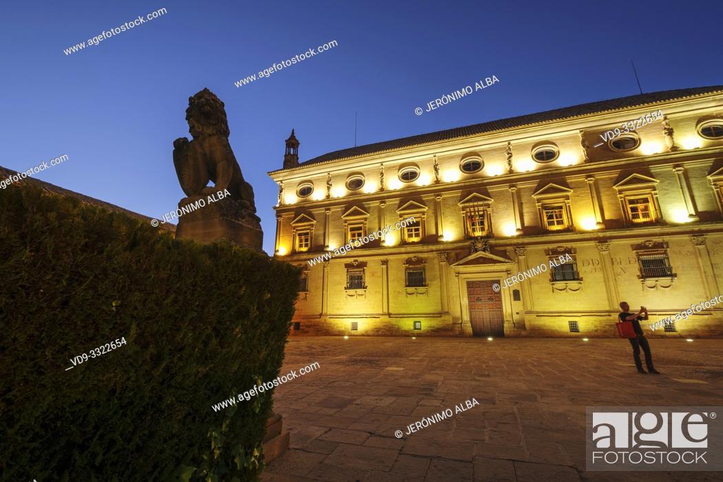 Imagen: Town Hall, Palacio de las Cadenas by architect Andrés de Vandelvira in plaza Vazquez de Molina. Ubeda, Jaén province. southern Andalusia. Spain Europe.