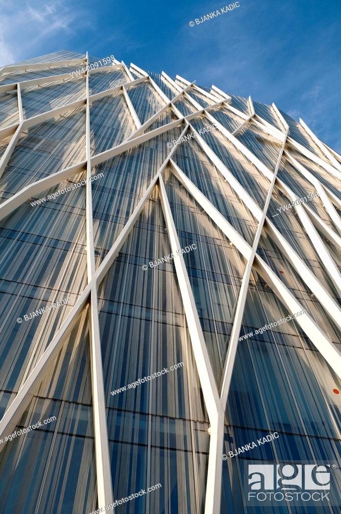 Imagen: Telefonica Tower, Forum, Barcelona, Catalonia, Spain.