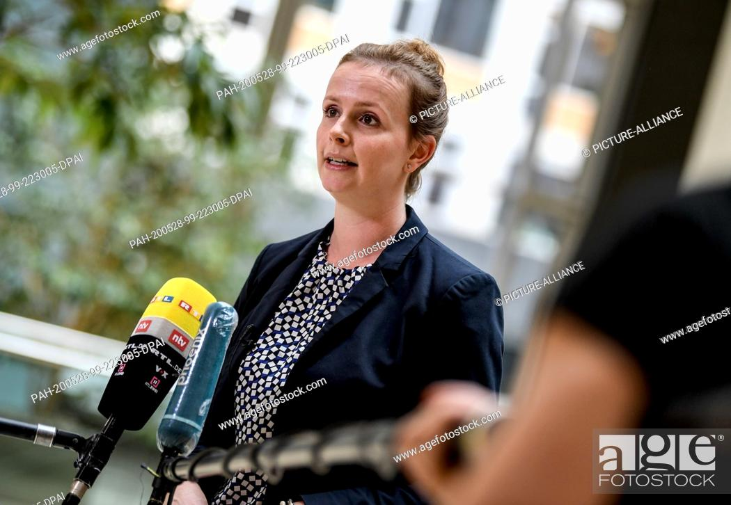 Imagen: 28 May 2020, Berlin: Gyde Jensen, spokeswoman of the FDP parliamentary group and chairwoman of the Human Rights Committee makes a statement on the Security Law.