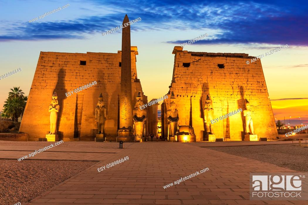 Imagen: Luxor Temple main view, beautiful sunset light, Egypt.