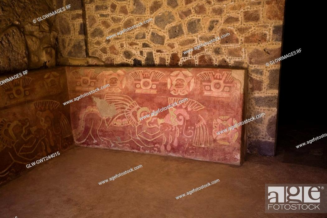 Stock Photo: Carving on the wall of a palace, Quetzalpapalotl Palace, Teotihuacan, Mexico.