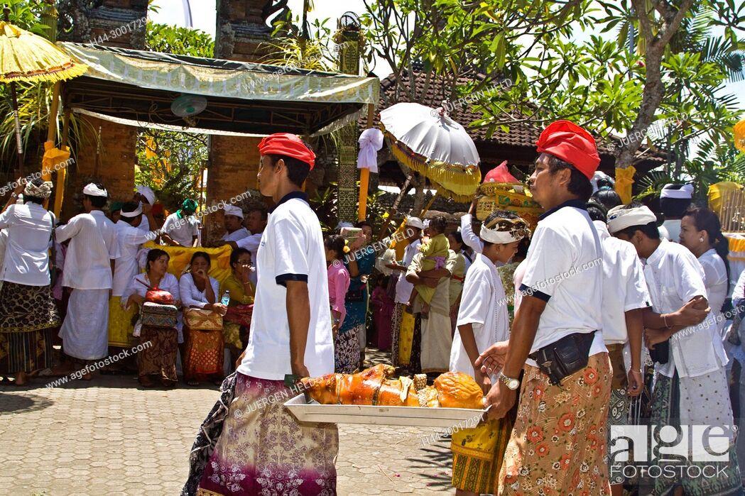 Photo de stock: Asia, Indonesia, Bali, Koningan Ceremony Mas.