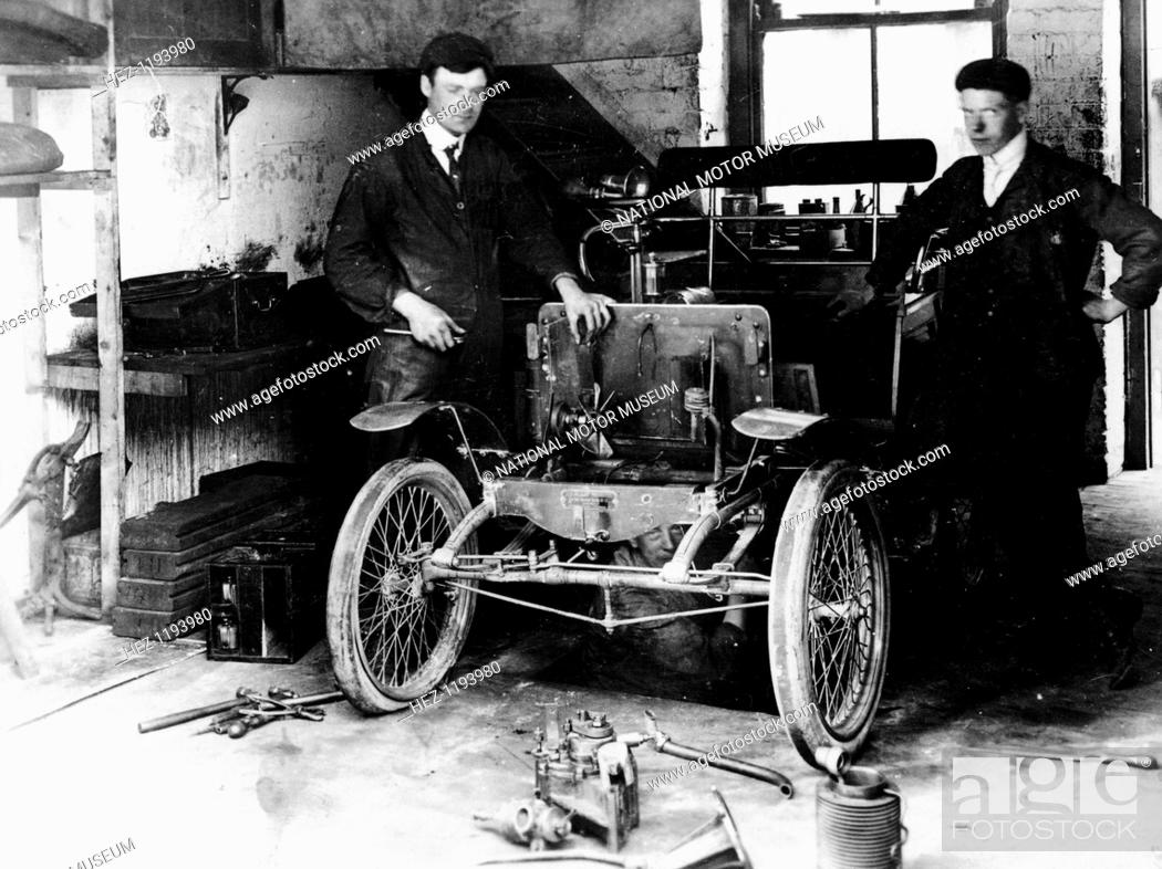 1900 New Orleans car under construction, (c1900?)  These