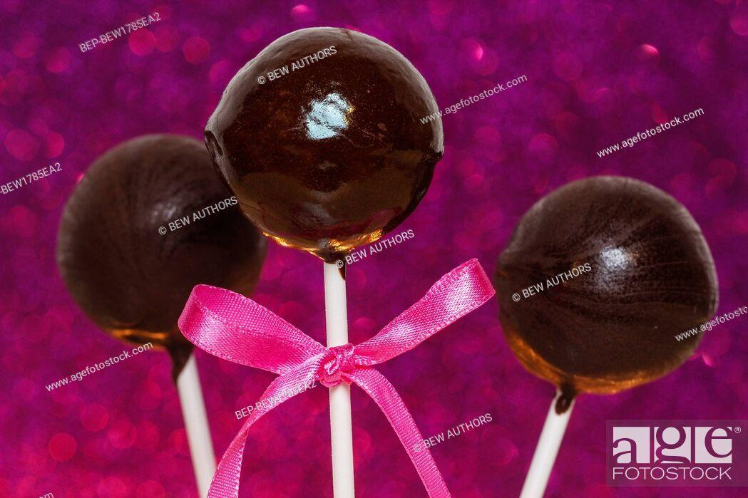 Imagen: Chocolate cake pops.