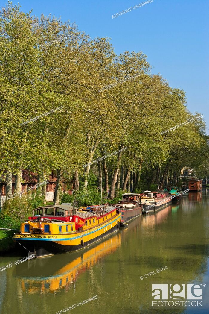 Stock Photo: France, Toulouse, Canal du Midi, barge, scenery,.